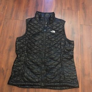 Women's North Face Thermoball Vest Size Xl